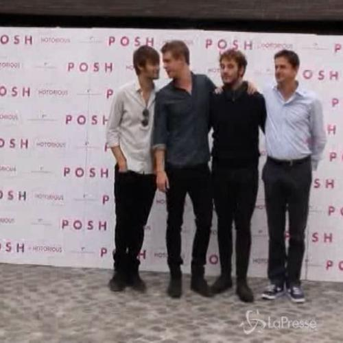 Sam Claflin, Douglas Booth e Max Irons star di 'Posh' ...