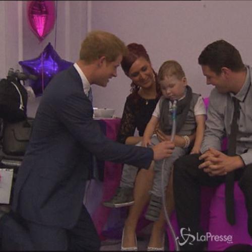 Londra, Principe Harry premia bambini malati ai WellChild ...