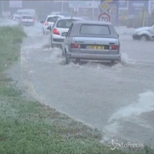 Francia, inondazioni nel sud: comunicazioni paralizzate a ...