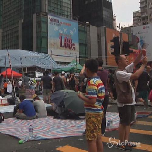 Hong Kong, continua la protesta nel giorno della Festa ...