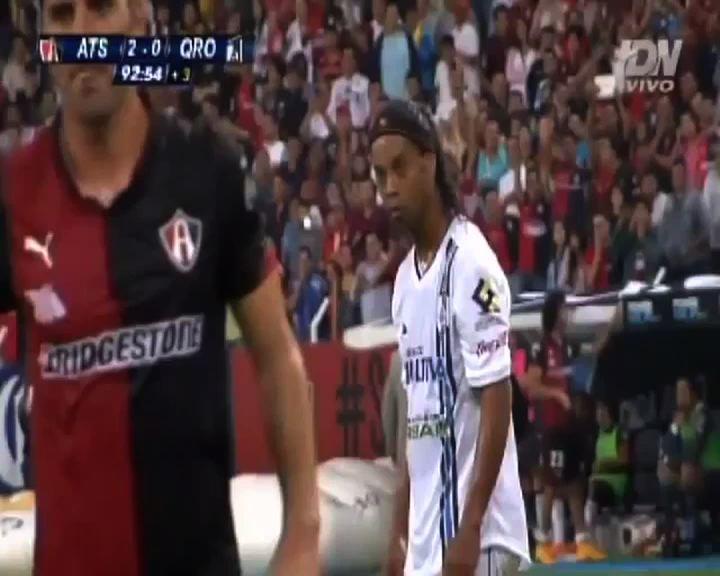 Messico, magia di Ronaldinho ma è tutto inutile