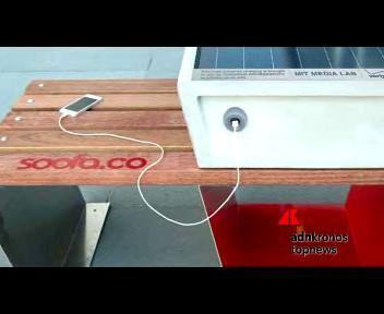 Soofa, la panchina solare che ricarica lo smartphone