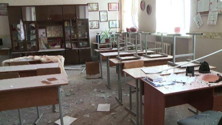 Ucraina, bombe sul primo giorno di scuola a Donetsk: è ...