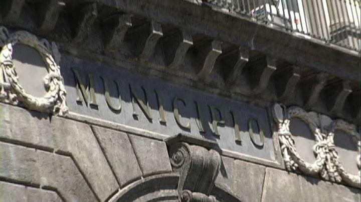 Napoli, il sindaco De Magistris sospeso dopo la condanna    ...