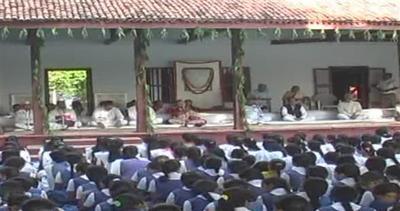 India, festa per il 145esimo compleanno di Gandhi