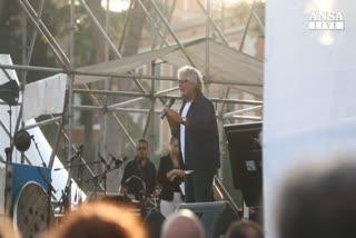 Grillo: 70% italiani votera