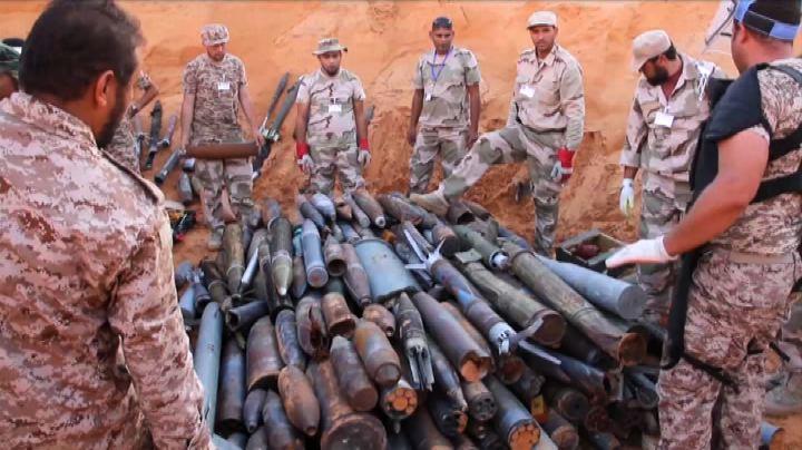 Il fuoco di Tripoli, distrutte tonnellate di munizioni ...