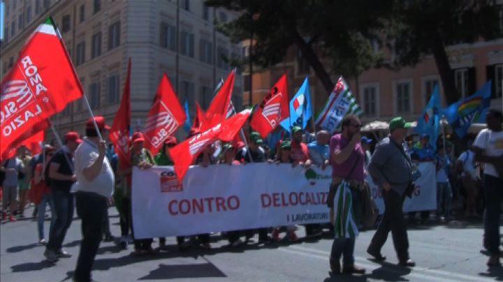 Cgil: un milione di persone in piazza contro il Jobs Act    ...