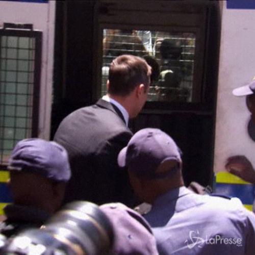 Sentenza subito esecutiva per Pistorius, portato in cella. ...