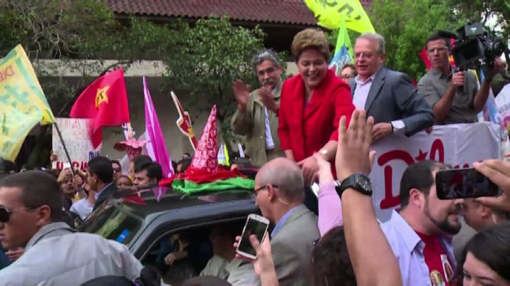 Brasile, Rousseff al 46%: vantaggio di tre punti su Neves   ...