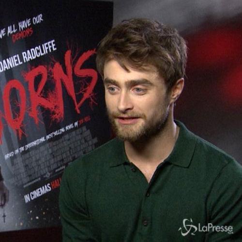 La metamorfosi luciferina di Daniel Radcliffe nel thriller ...