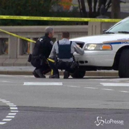 Canada, spari dentro Parlamento: soldato ferito