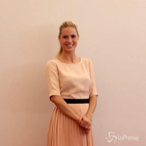 Michelle Hunziker incanta a presentazione spot contro la ...