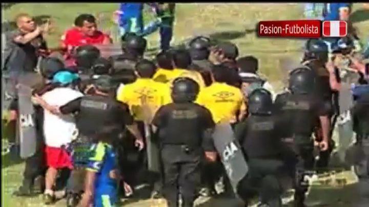 Perù, arbitro colpito al volto a fine gara