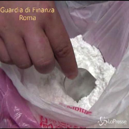 Roma, smantellata raffineria clandestina di cocaina: 4 ...