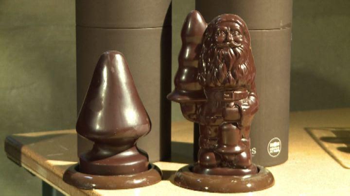 """McCarthy apre la """"Chocolate factory"""" e fa l'albero di ..."""