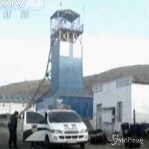 Crolla miniera di carbone in Cina: 16 morti, 11 feriti