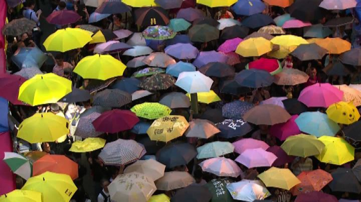 Nude News - Hong Kong, la protesta compie un mese