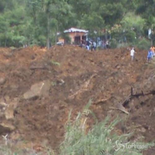 Frana per piogge monsoniche in Sri Lanka: almeno 10 morti e ...