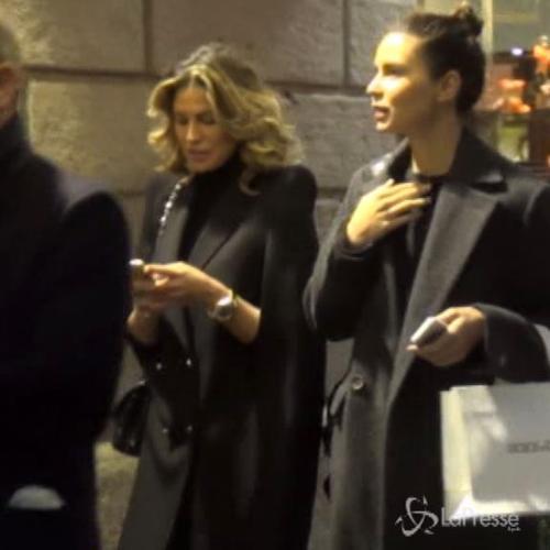 Claudia Galanti fa shopping a Milano: caccia alle scarpe ...