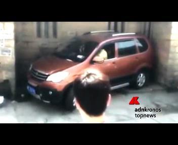 E? cinese il miglior parcheggiatore al mondo, incastra il ...