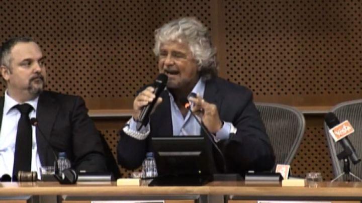 Grillo a Bruxelles: riprendiamoci la sovranità monetaria