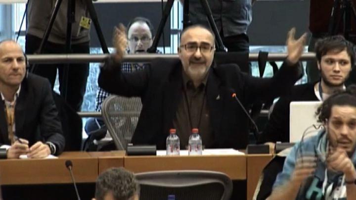 """Scontro Grillo-Consoli: """"solo i dittatori non vogliono la stampa"""""""