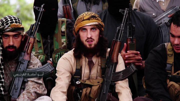 Video propaganda Isis: miliziani francesi bruciano i ...