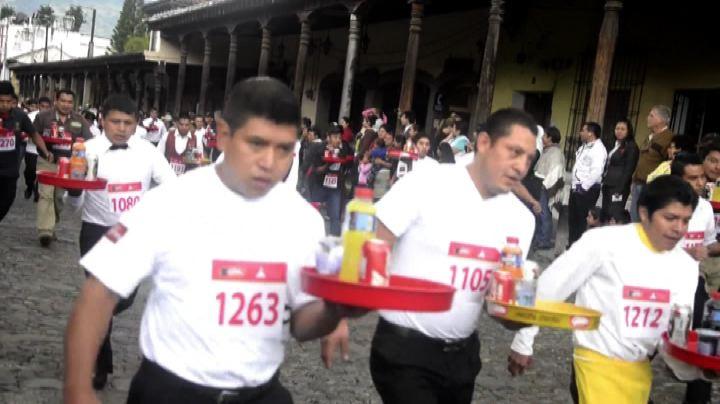 Guatemala, non rovesciare la bibita: la folle corsa dei ...
