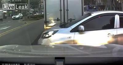 Corso di guida: ecco come NON si cambia corsia