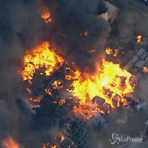Enorme incendio in fabbrica a Sydney: 100 pompieri per ...