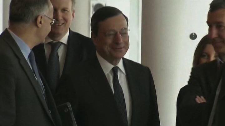 """Draghi vede nubi su ripresa: """"Agiremo contro bassa ..."""