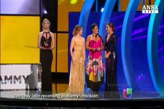 Enrique Iglesias sbanca i Latin Grammy's