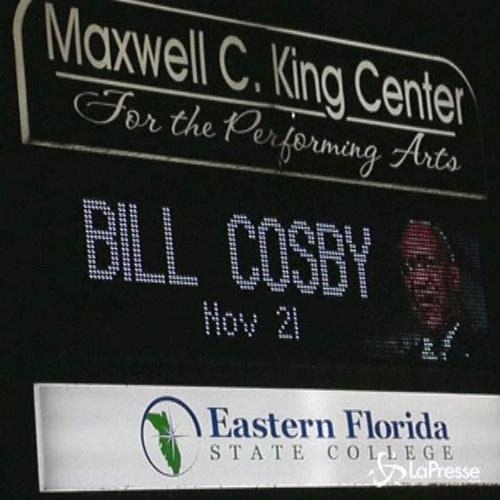 Bill Cosby torna sul palco