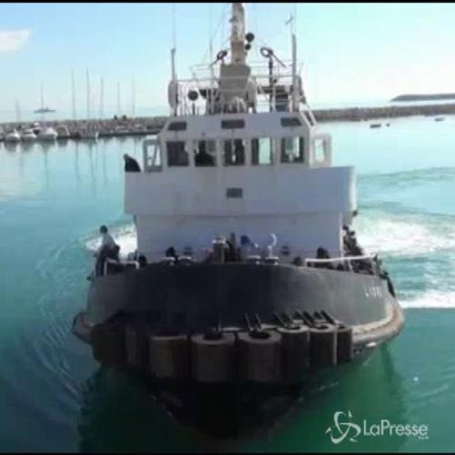 Sbarchi, 345 migranti a Pozzallo: fermato presunto scafista ...
