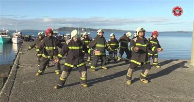 Vigili del fuoco ballerini, come non li avete mai visti     ...