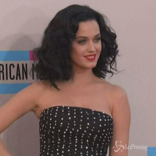 Katy Perry si esibirà al Super Bowl 2015