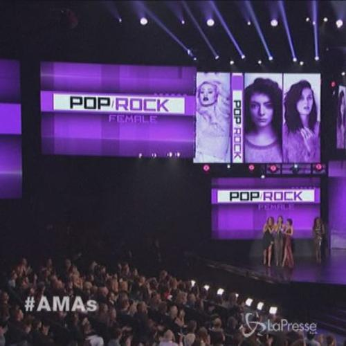 American Music Awards, trionfo One Direction, pari merito ...