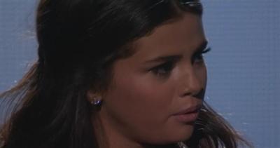 Selena Gomez si emoziona cantando per Justin Bieber