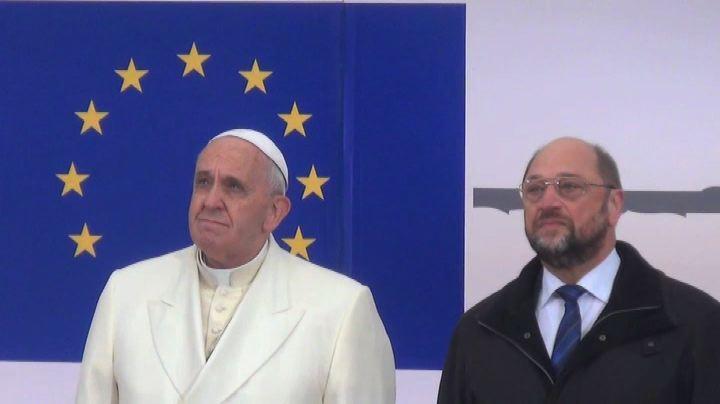 Schulz regala al Papa esemplare unico rilegato memorie di ...