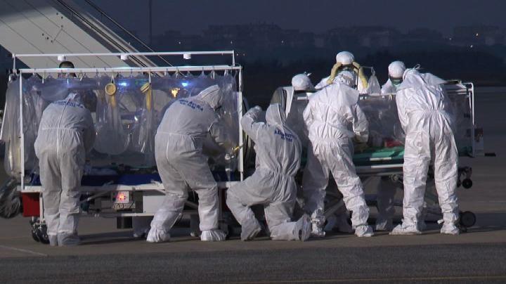 E' a Roma il medico italiano contagiato dal virus Ebola     ...