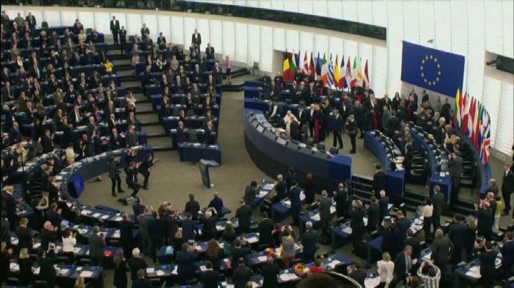 """Il Papa a Strasburgo ammonisce un'Europa """"un po' ..."""