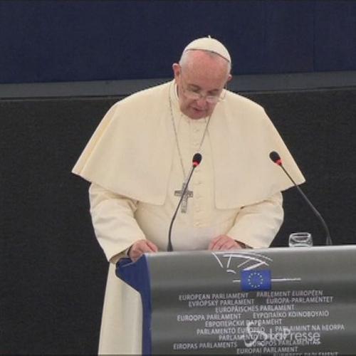 Papa: Non si può tollerare Mediterraneo diventi grande ...