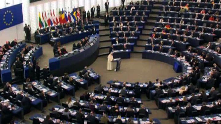 """Papa a Strasburgo: """"Famiglia indissolubile dà speranza al ..."""