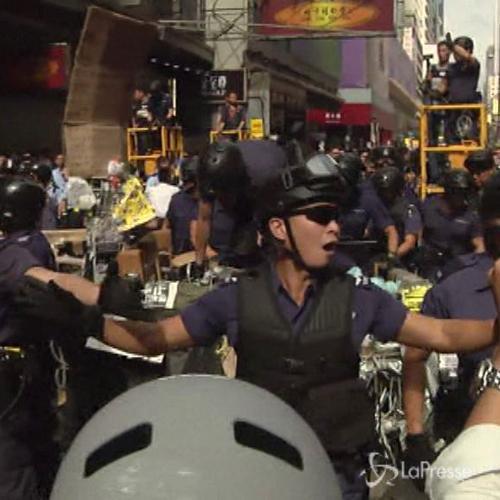 Hong Kong, sgomberati i luoghi delle proteste: arrestati ...