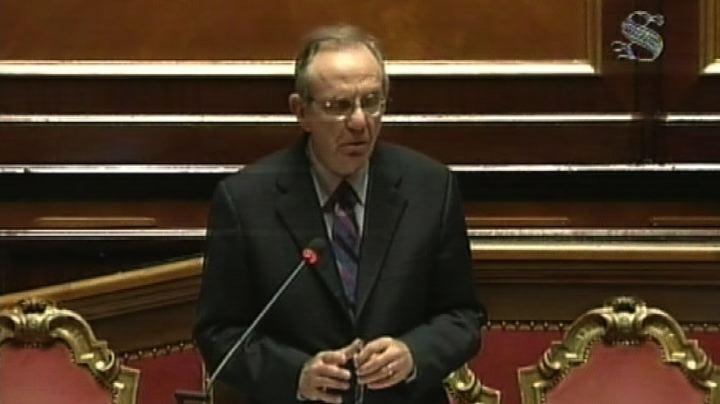 Crisi, Padoan: taglio del debito solo con l'aumento del Pil ...