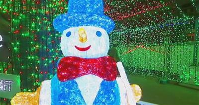 Spettacolo luminoso: record del mondo di luci natalizie     ...
