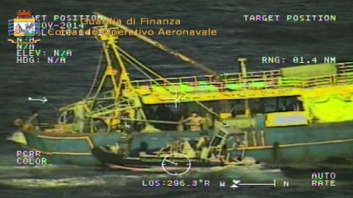 In Sardegna affonda nave narcos, a bordo 15 tonnellate di ...