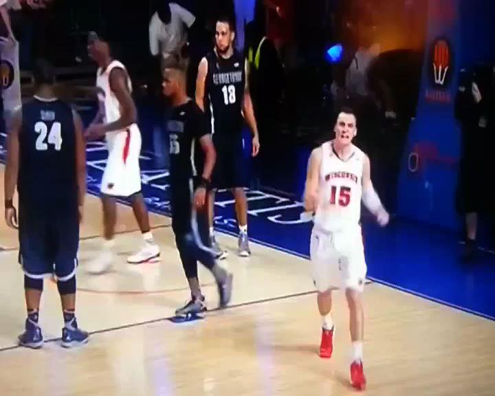 NCAA: Winsconsin vs Georgetown, un'esultanza da ricordare