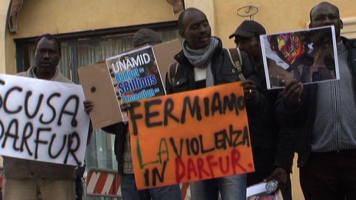 Manifestazione a Roma contro lo stupro di massa a Tabit in ...